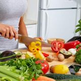 woman-cutting-veggies