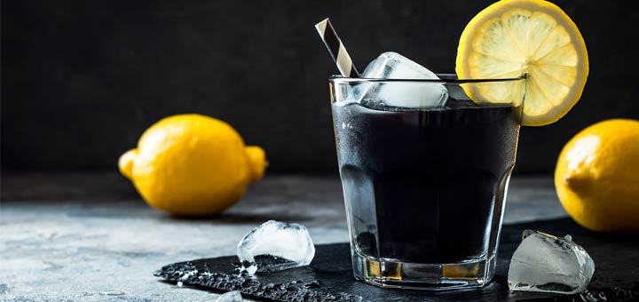 Detoxifying Charcoal Lemonade