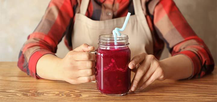 beet-juice-on-table