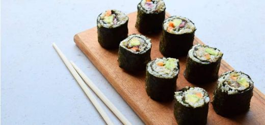 cauliflower-rice-sushi