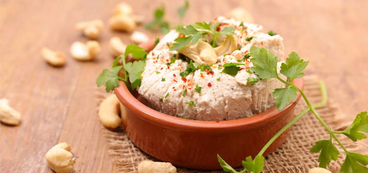 Herbed Raw Cashew Cheese Spread
