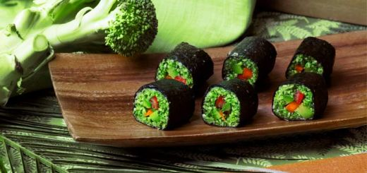 Broccoli Sushi Rolls With A Mango Ginger Dipping Sauce