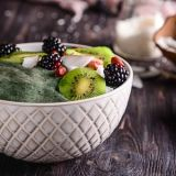 spirulina-green-smoothie-bowl