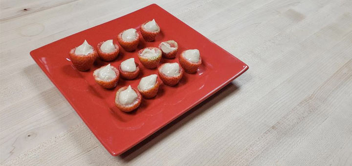 strawberries-stuffed-raw-cheesecake