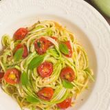 zucchini-noodles-with-cherry-tomatoes