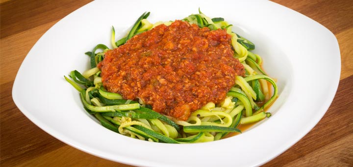 Cauliflower Bolognese Sauce With Zucchini Noodles
