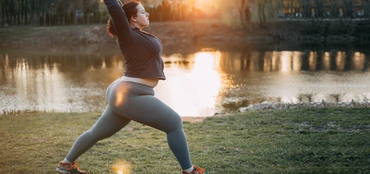 plus-size-woman-yoga-pose