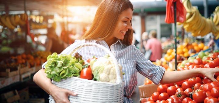 woman-shopping-grocery-basket
