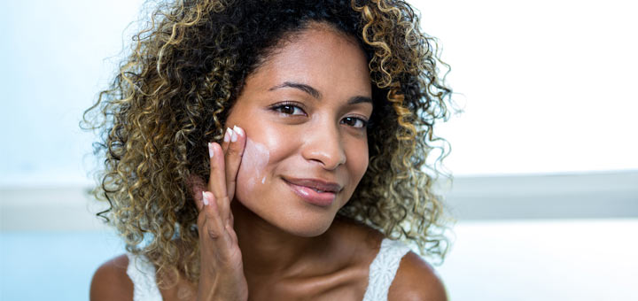 black-woman-face-moisturizer