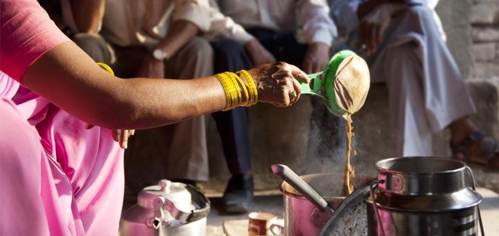 indian-woman-pouring-chai-tea