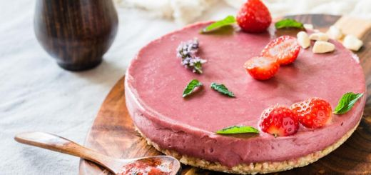 raw-strawberry-cheesecake