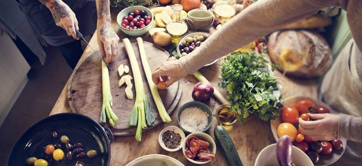 preparing-vegan-food