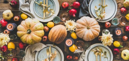 holiday-thanksgiving-table