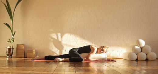 sleeping-yoga-woman