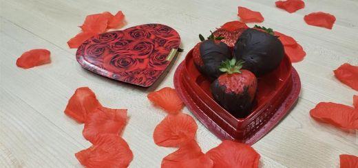 Raw Vegan Chocolate Covered Strawberries