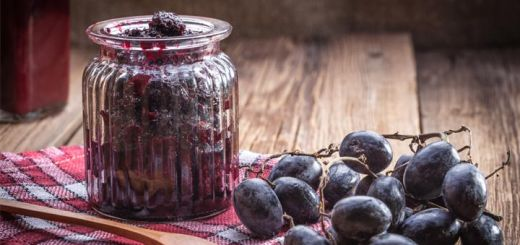 Raw Vegan Chia Seed Grape Jam