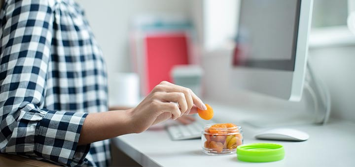 5 Healthy Snacks To Eat During Quarantine