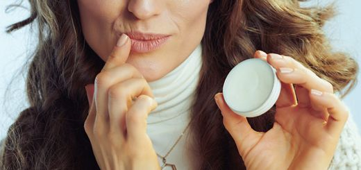 The Best DIY Lip Balm For Chapped Lips