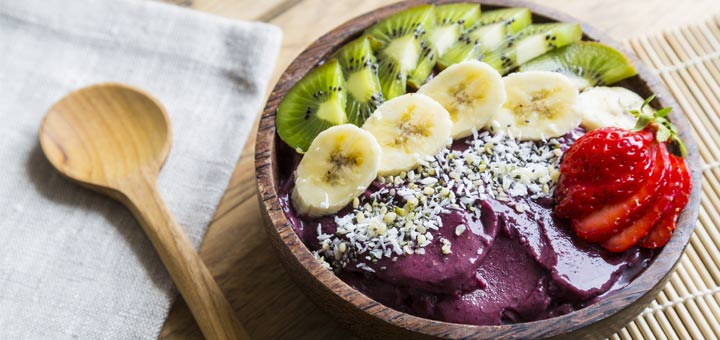 Blueberry Mango Super Smoothie Bowl