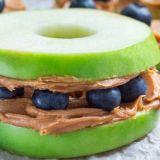fresh-apple-blueberry-cashew-butter-sandwiches