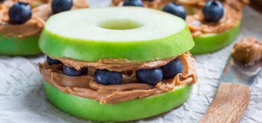 Fresh Apple, Blueberry & Cashew Butter Sandwiches