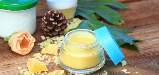 Simple Homemade Holiday Lip Balm