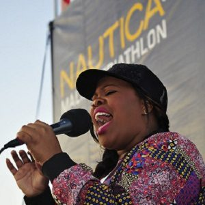 Hostsinger Amber Riley