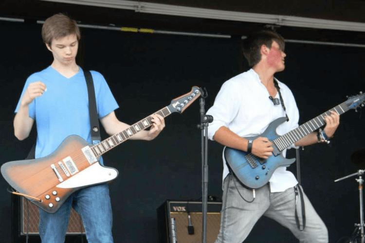 TEEN GUITAR CAMP & GUITAR + ACCESSORIES