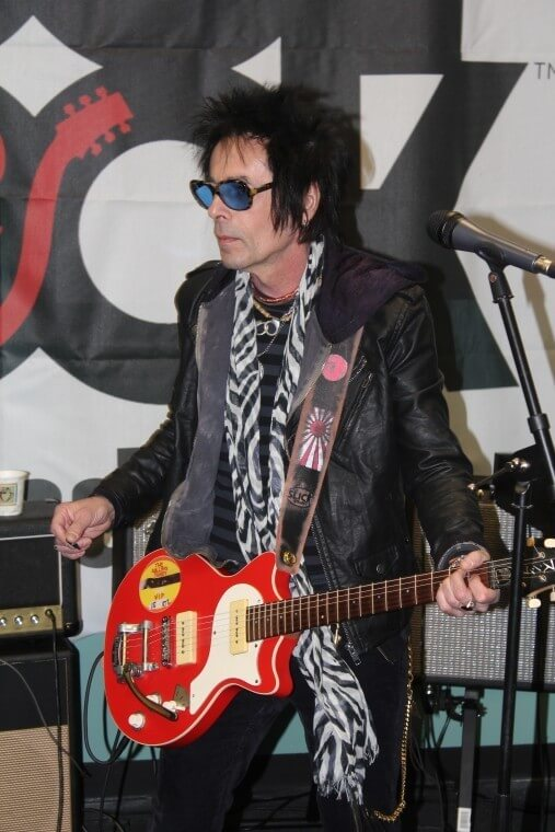 Earl Slick stopped by the Strongsville SoR and jammed with the kids on a few David Bowie songs.