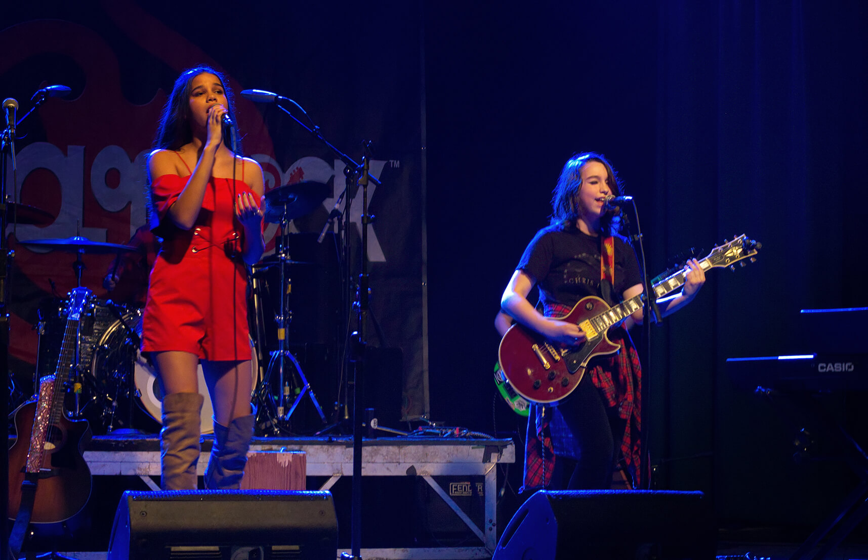 Lily and Iris harmonize to the greatness of grunge.