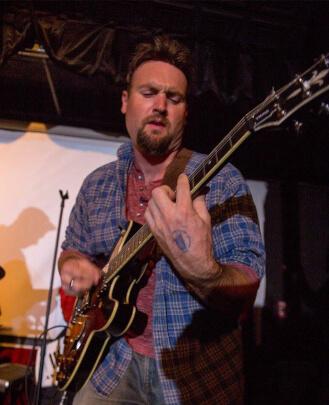 Guitar & Bass Teacher