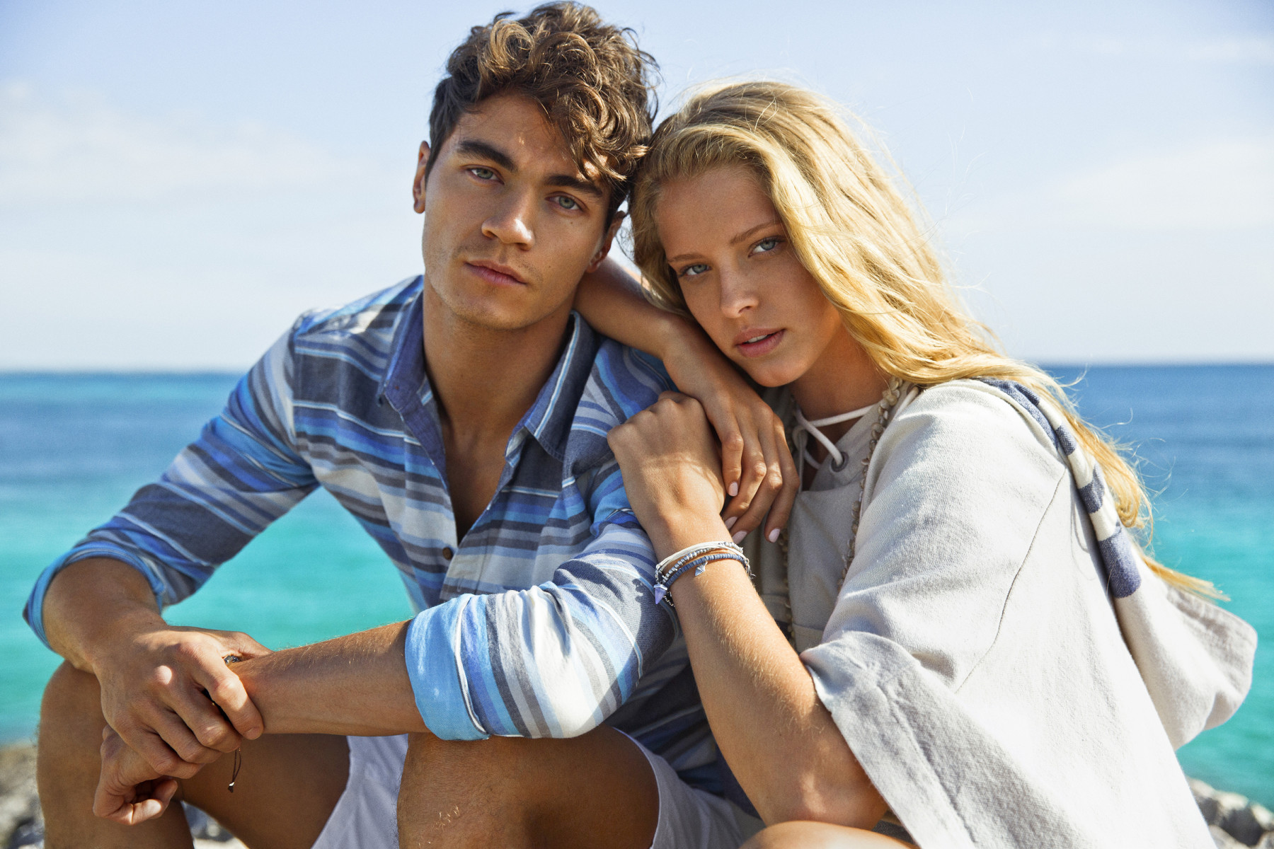 Background image for Real Rewards, the loyalty program of American Eagle Outfitters.