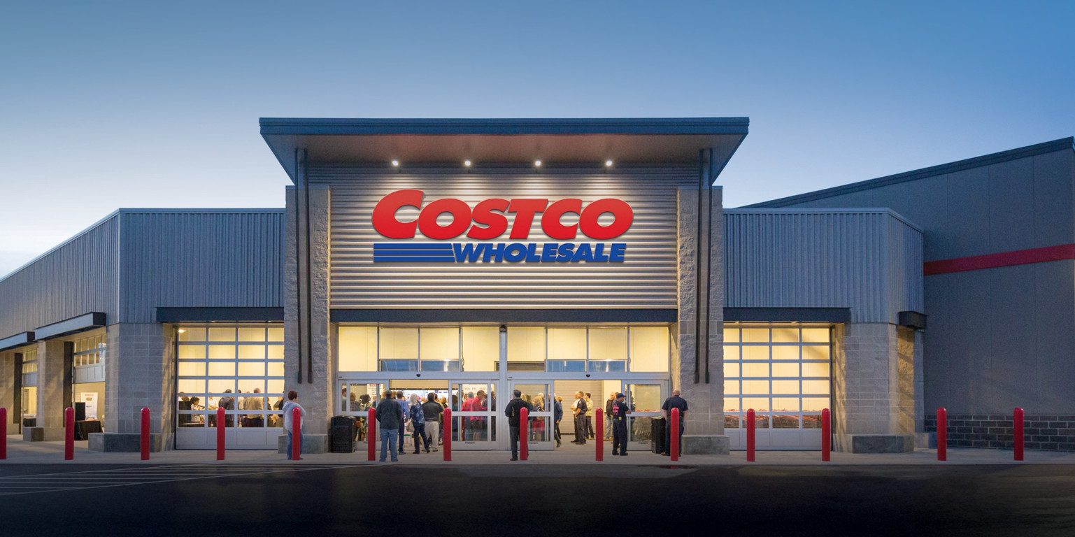 Background image for Costco Members, the loyalty program of Costco.