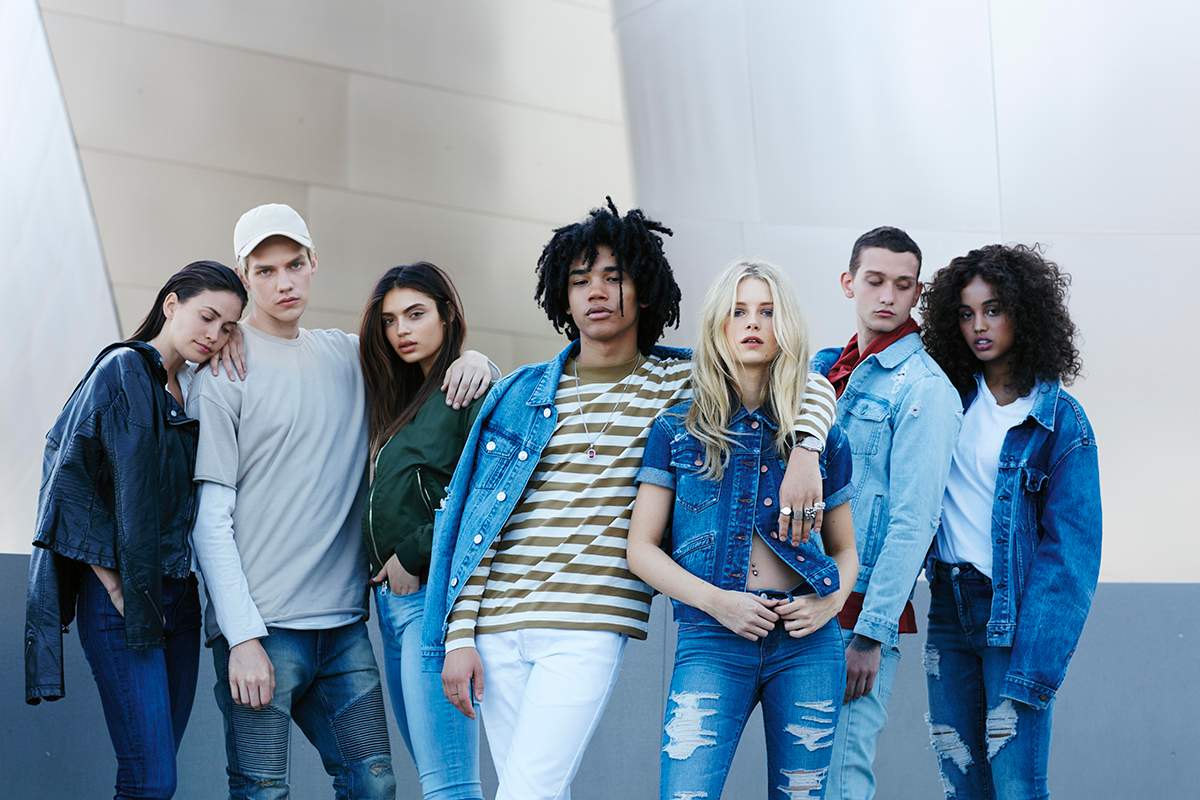 Background image for PacSun Rewards, the loyalty program of PacSun.