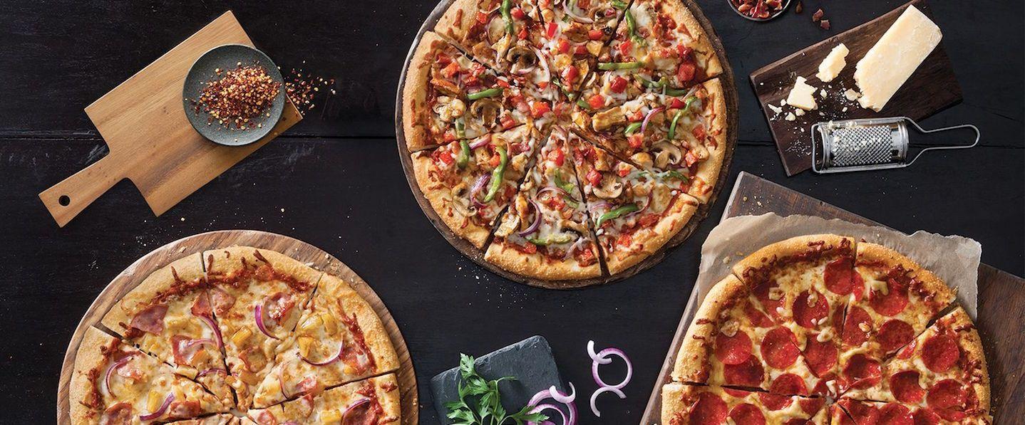 Background image for Hut Rewards, the loyalty program of Pizza Hut.