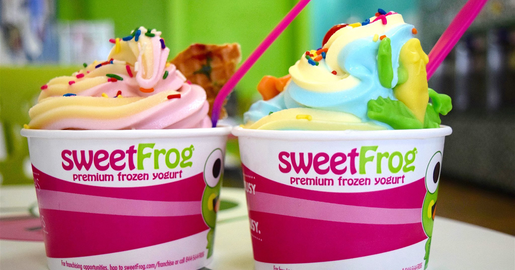 Background image for sweetRewards, the loyalty program of sweetFrog.