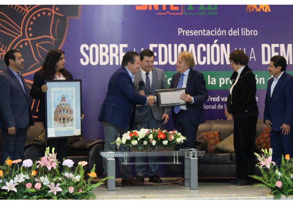 Lleva el SNTE a Guanajuato lección sobre Educación y Democracia