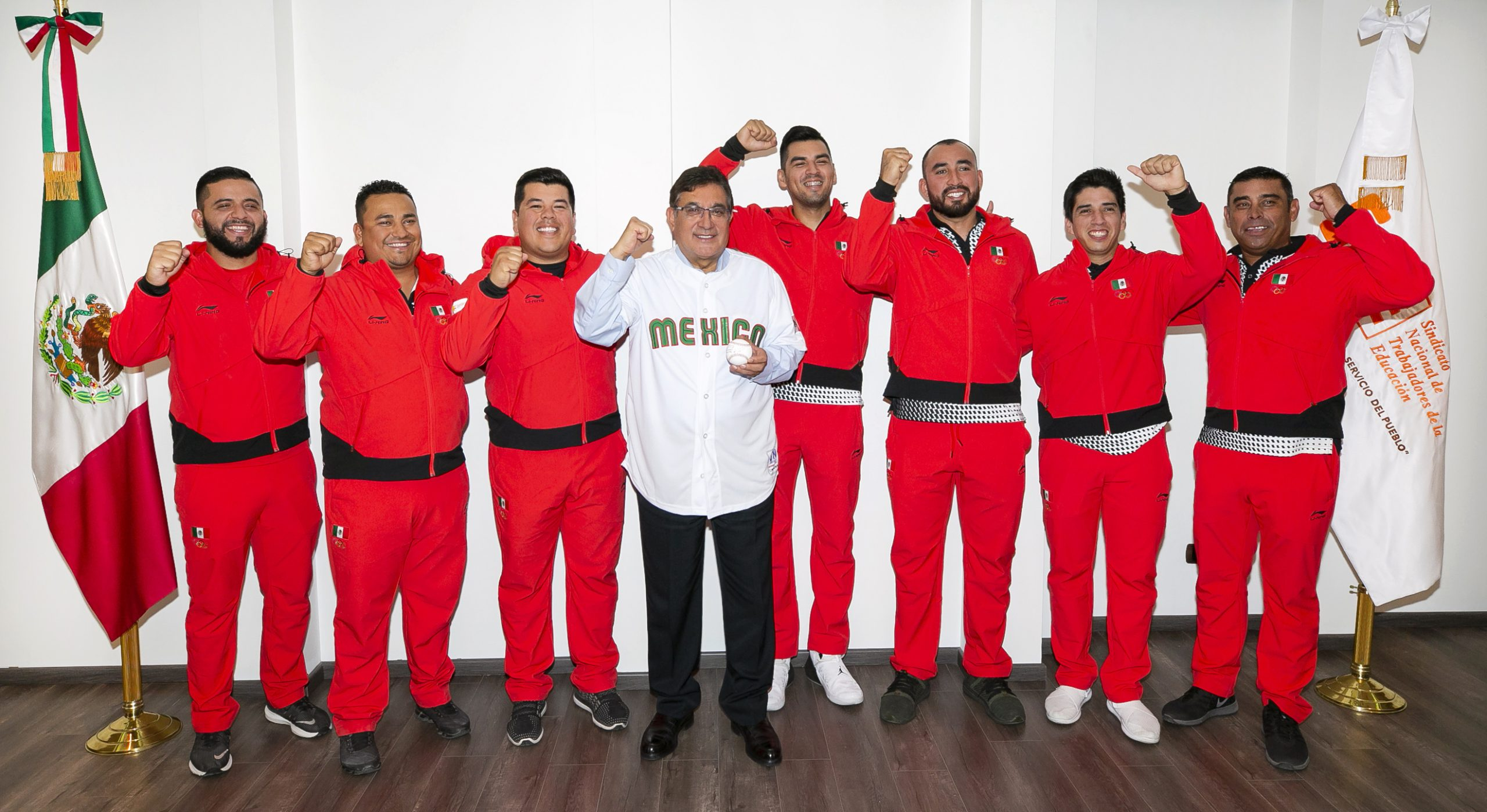 Recibe Cepeda Salas a maestros medallistas del SNTE que triunfaron en los Panamericanos