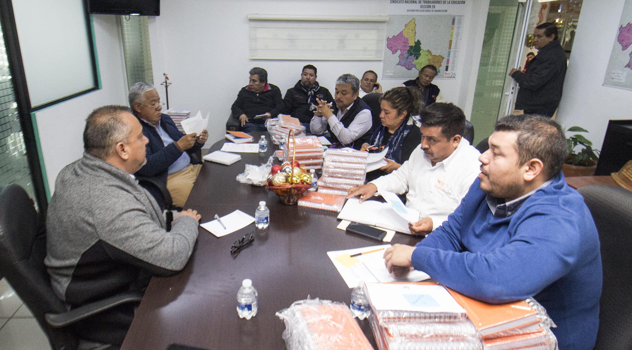 Prof. Alejo Rivera Ávila encabeza reunión de trabajo con Secretarios de Organización