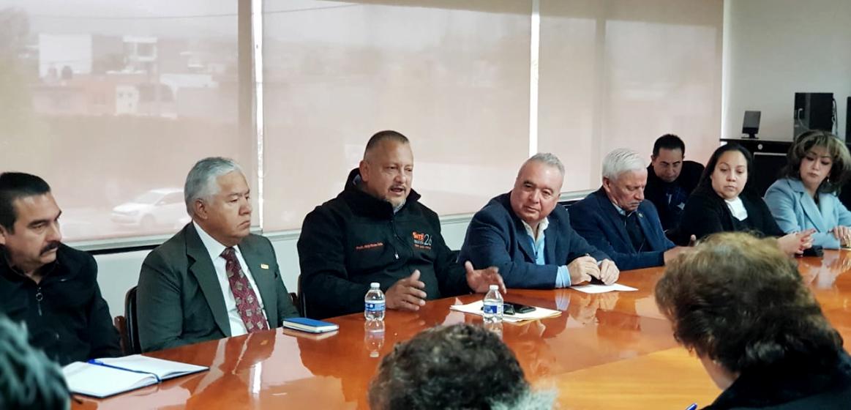 Dirigente de Sección 26 asiste a relevo de jefes de Dpto. de Secundarias