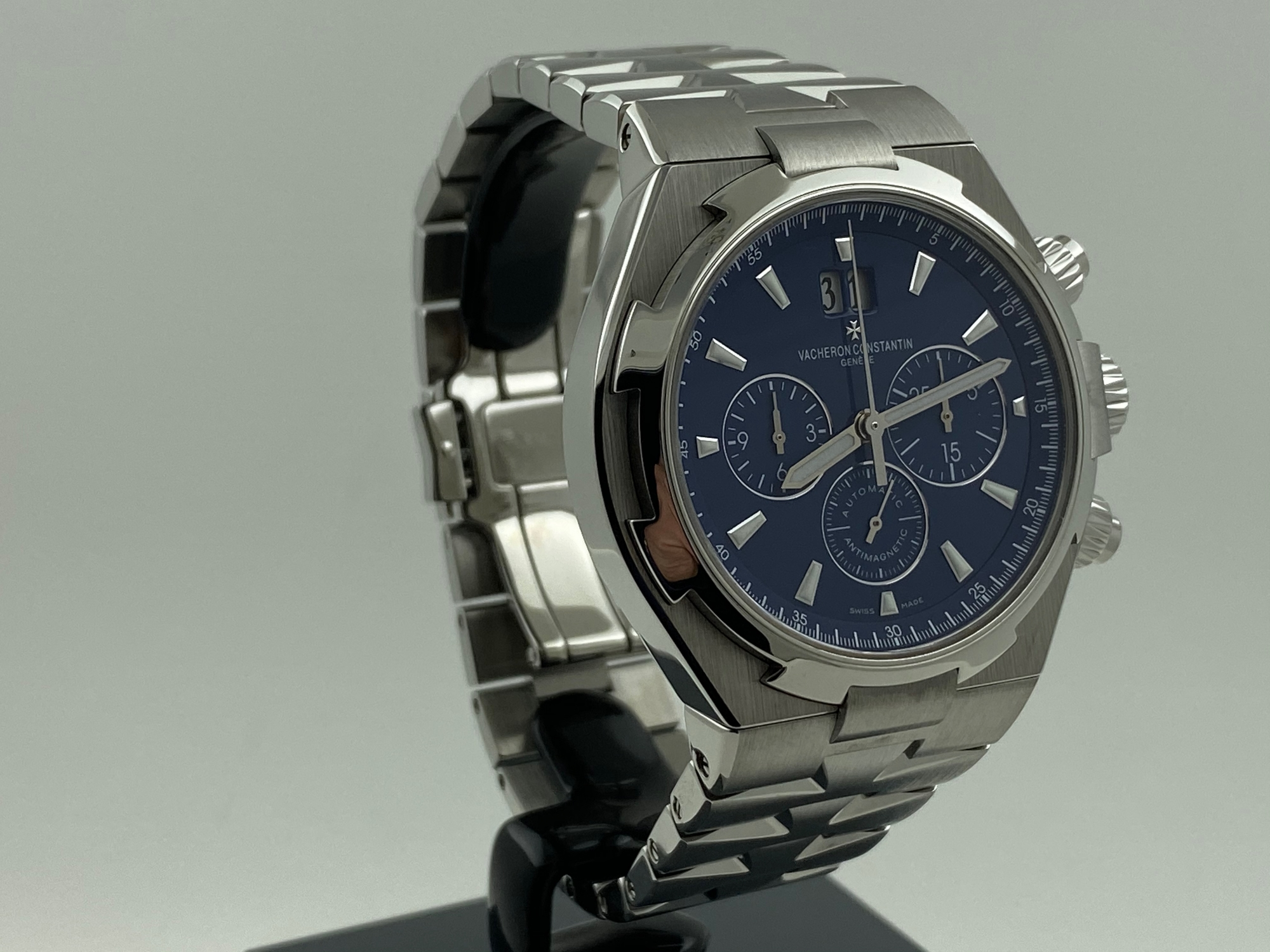 Vacheron Constantin Overseas Chronograph Blue Dial Automatic 42MM Full Set Like New + Croco Strap and Clasp 49150 0