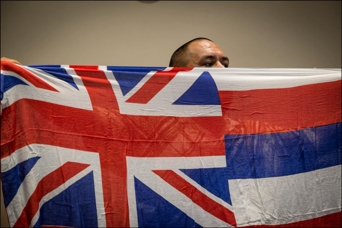 Hawaiian flag at OHA  press conference