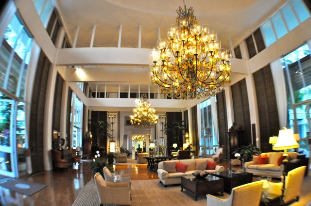Kahala Hotel lobby