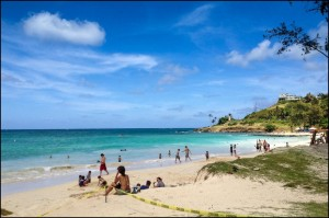 Inch by Sandy Inch, Hawaii's Loss of Beaches Worries Tourism Industry