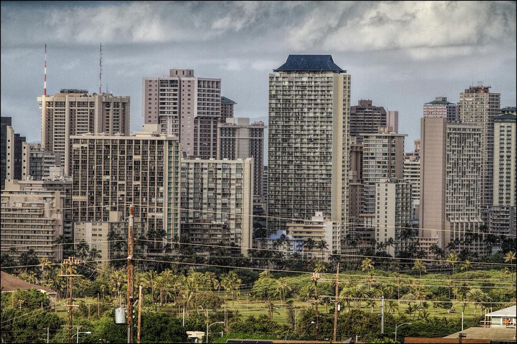 waikiki skyline 'dude where's my view?'  (pf)