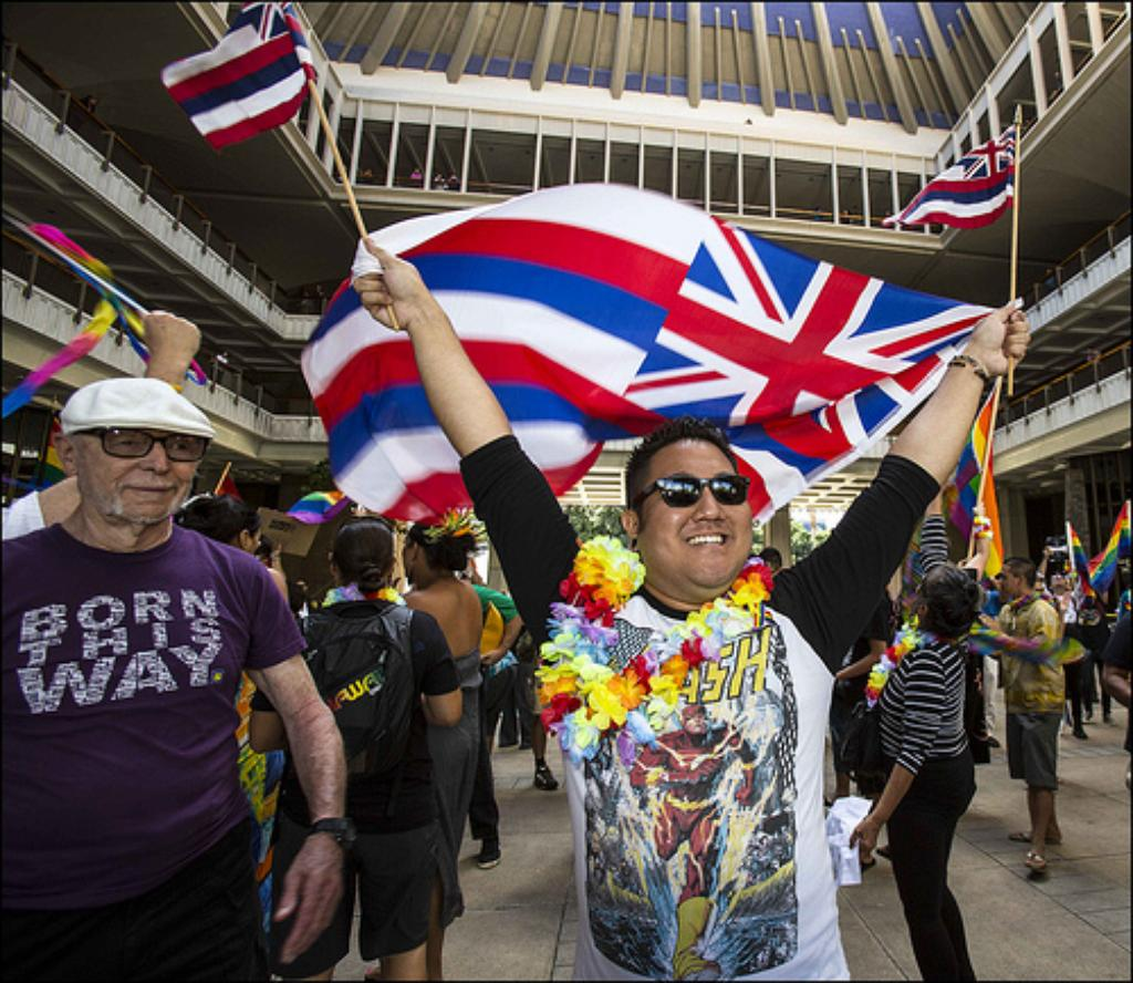 Senate Sends 'Marriage Equality' Bill to Hawaii Governor