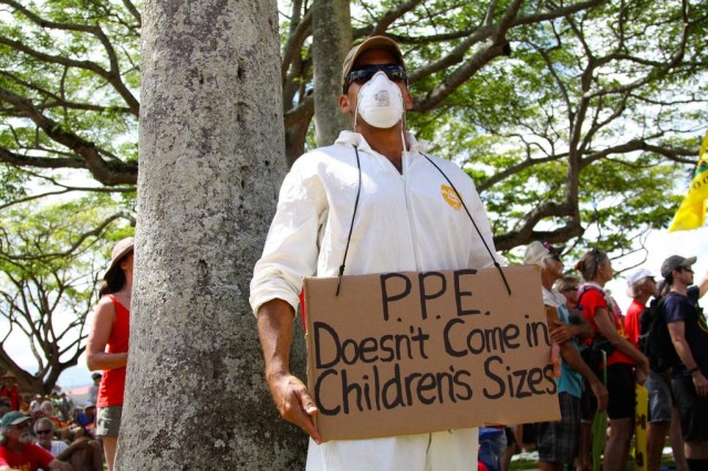 Kauai pesticides, mana march, protective equipment