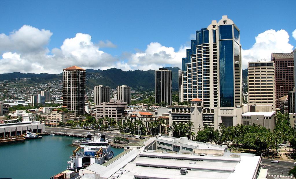 Who's Backing Who for Hawaii's U.S. Senate Seat?