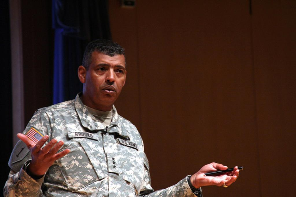 Army to Replace Three-Star Commander With Four-Star General at Fort Shafter