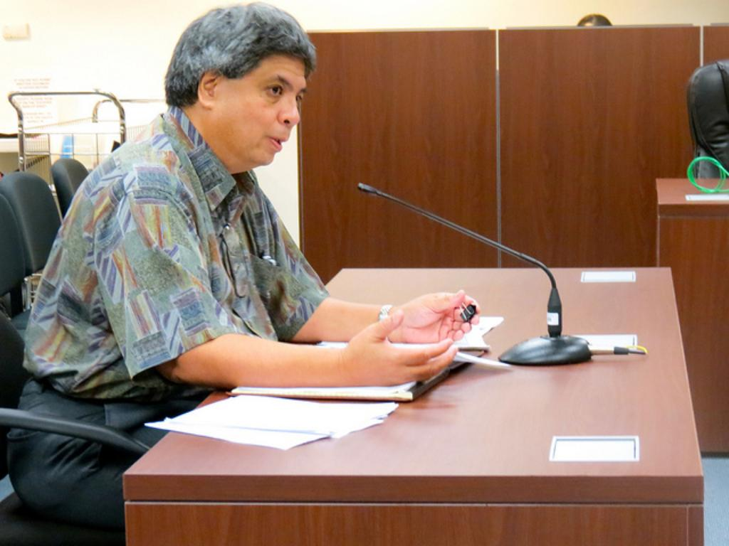Lawmakers Crack the Whip on UH Board of Regents